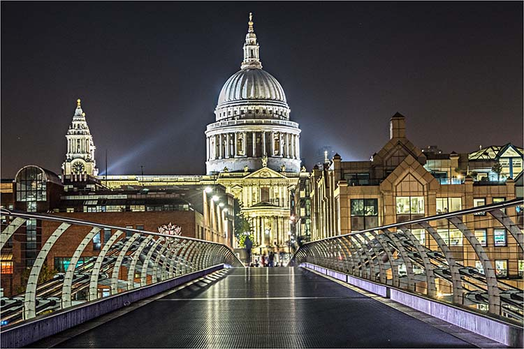 Onwards to St. Paul's