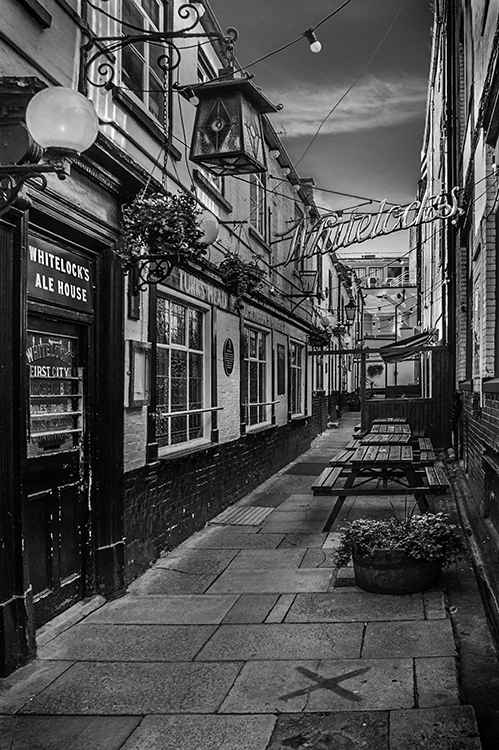 Ale House Alley by Steve Bavill
